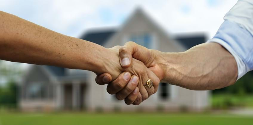 Selling Property in Cairns: How to Choose the Right Real Estate Agent